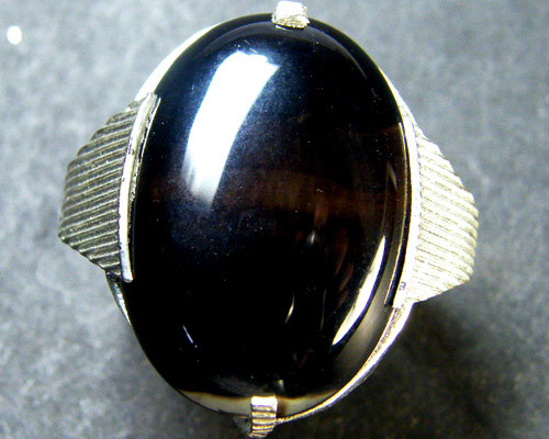 JET BLACK AGATE  RING SIZE  5.5   TR 406