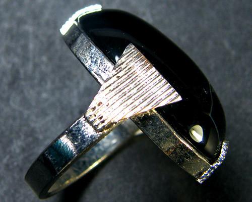 JET BLACK AGATE  RING SIZE  8   TR 401