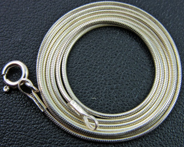 QUALITY SILVER SNAKE CHAIN 56CM CMT 77