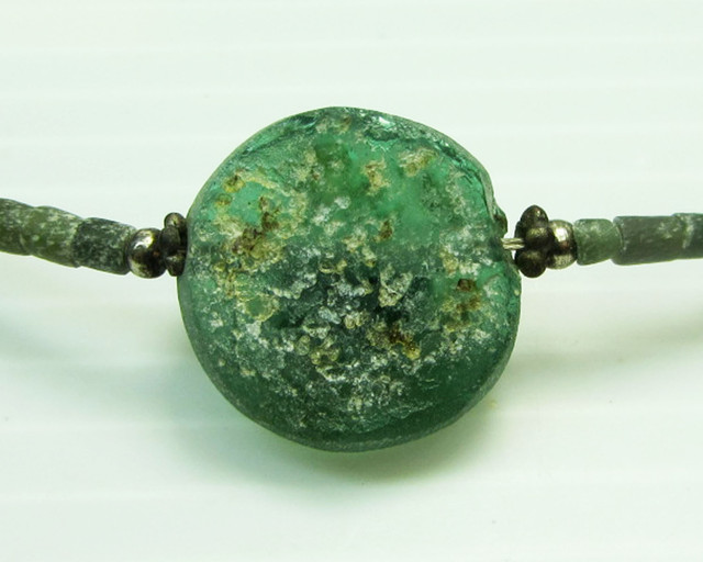 ANCIENT ROMAN GLASS NECKLACE   MJA 223