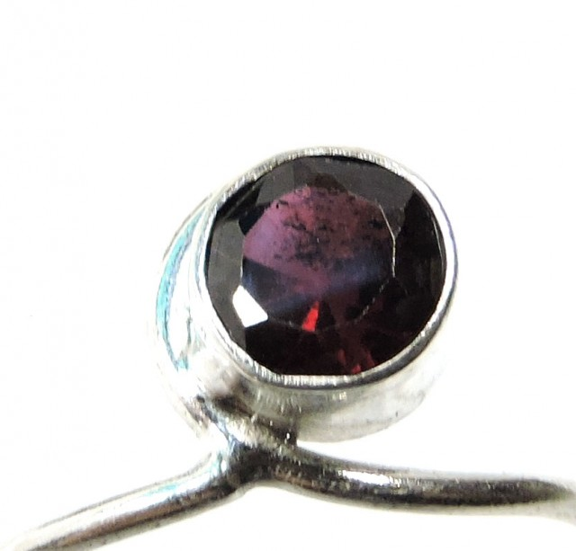 Cute Natural Garnet Ring Size 8  JGG 106
