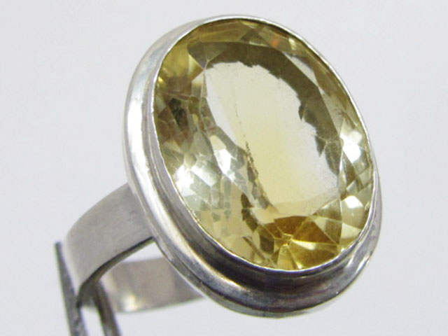 Bright Citrine set in silver ring size 10  MJA 713