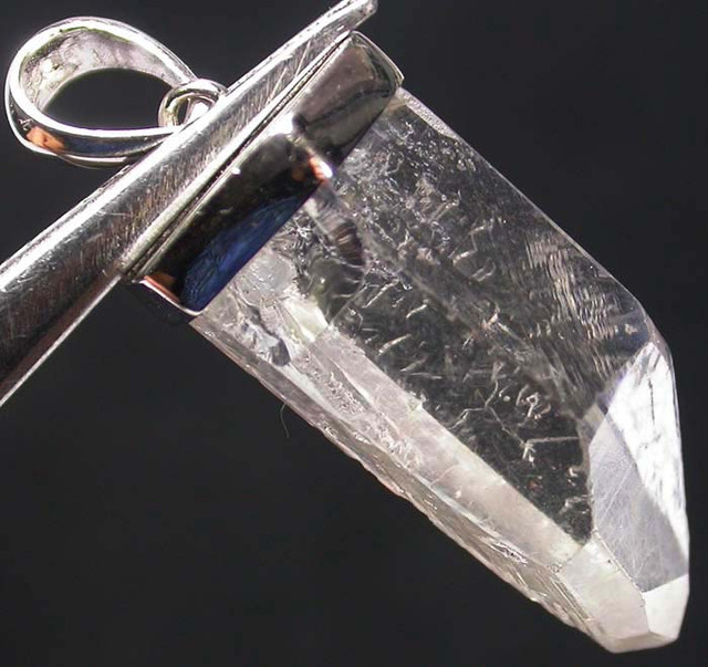 CRYSTAL PENDANT --TUBE -SILVER 34.75 CTS [SJ736]