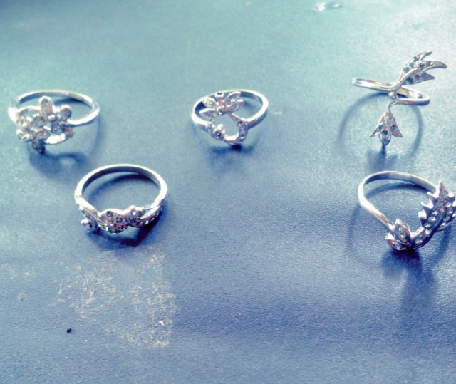 NATURAL-WHITE GOLD PLATED DIAMOND RINGS-5PCS,LOWEST RATES,NR