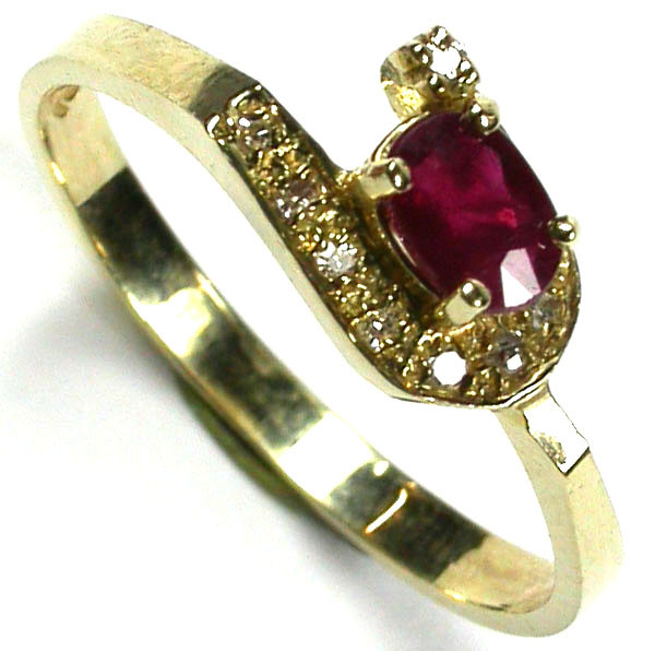 RUBY 14K  YELLOW GOLD   RING    SIZE 6 1/2     GTJA218