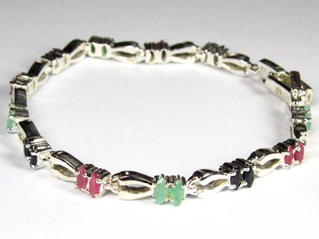 Bracelet with Emeralds,Rubies and  Sapphires 88.00 CTS 90685