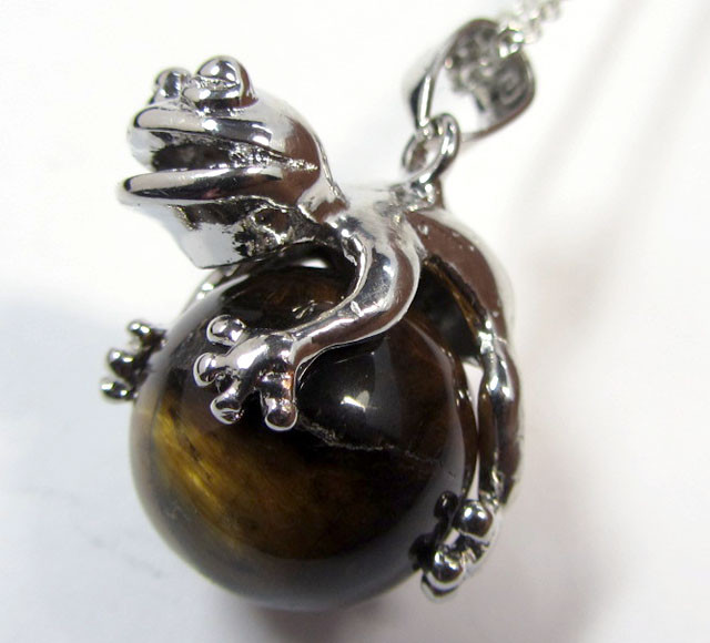 55 CTS FROG  DESIGN TIGERS EYE   MYGM 561