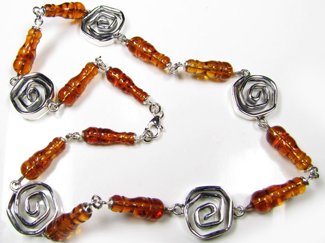 BALTIC AMBER  BEAD NECKLACE 46  CM LENGTH   MYG 445
