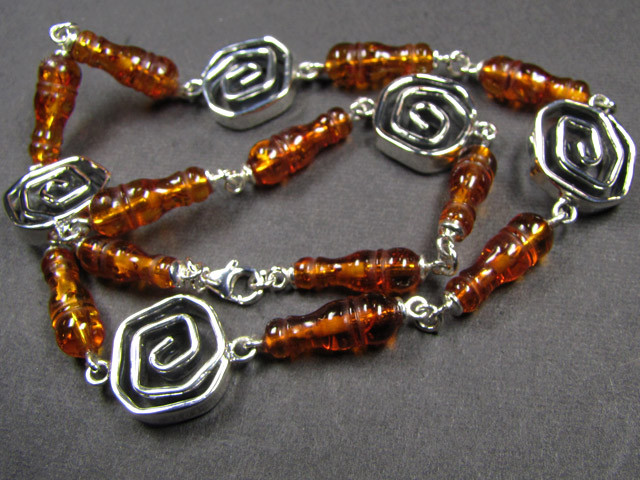 BALTIC AMBER  BEAD NECKLACE  45 CM LENGTH   MYG 449