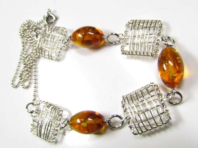 BALTIC AMBER  CAGE NECKLACE 60 CM LENGTH   MYG 691