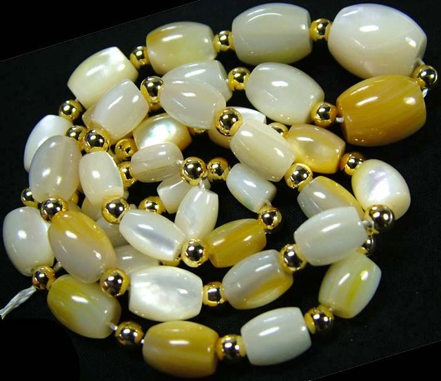 MOTHER PEARL STRAND 175.65 CTS [SJ680]
