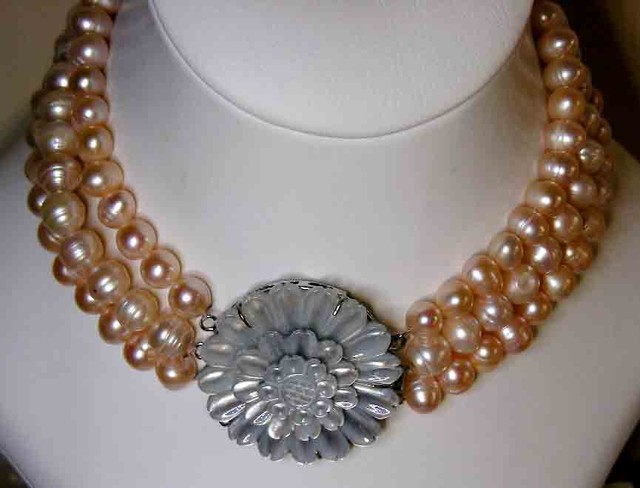 PINK HUES PEARL NECKLACE PLUS 12 FREE PEARLS 9690