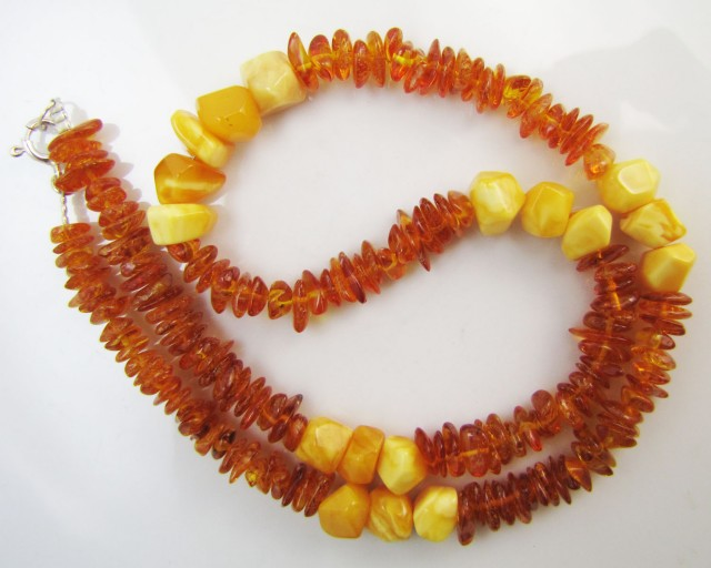 70 Cts Amber   Necklace    two tone    MJA1129
