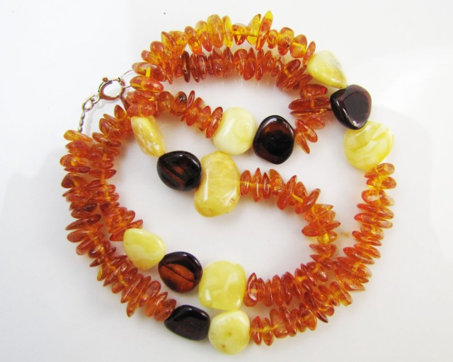80 Cts Amber   Necklace    two tone    MJA1132