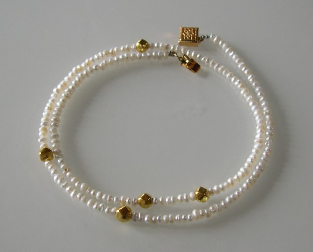 BAROQUE PEARLS AND GOLD NECKLACE 51cms