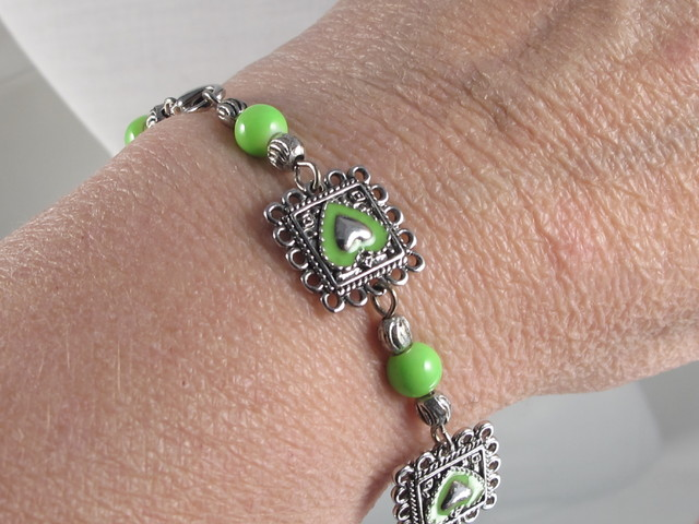 LIME GREEN, SILVER PLATED BEADED BRACELET