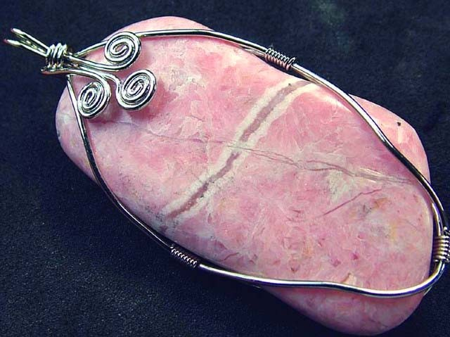 RHODOCHROSITE WIRE WRAPPED 121.90 CTS  [GT316 ]