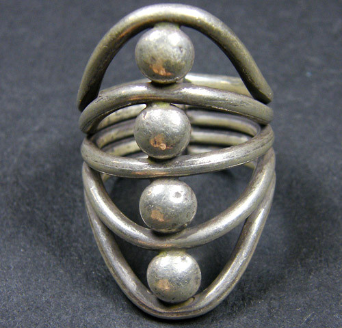 THAI HILL TRIBE SILVER RING  SIZE  9  GTT 1271