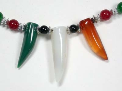 NEW TRIBAL TOOTH SHAPE AGATE NECKLACE TR83