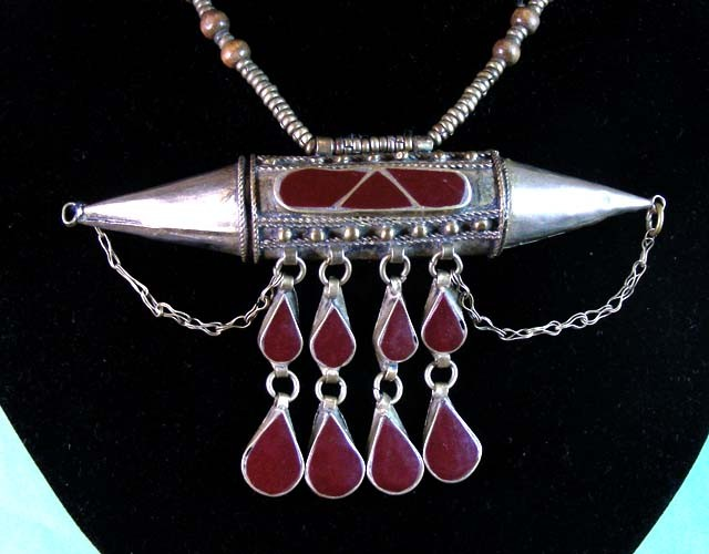 OLD TRIBAL  AGATE NECKLACE  STRAND   11 625