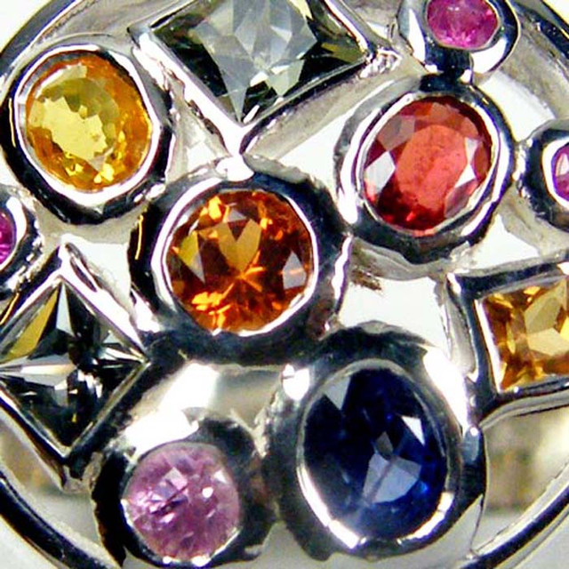 PARTY SAPPHIRES IN STERLING SILVER RING SIZE  8.5  GTJA41
