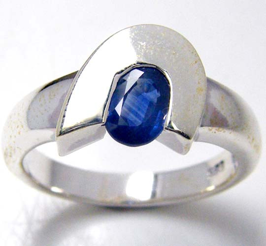 MODERN SAPPHIRE STERLING SILVER RING SIZE 8  GTJA 116