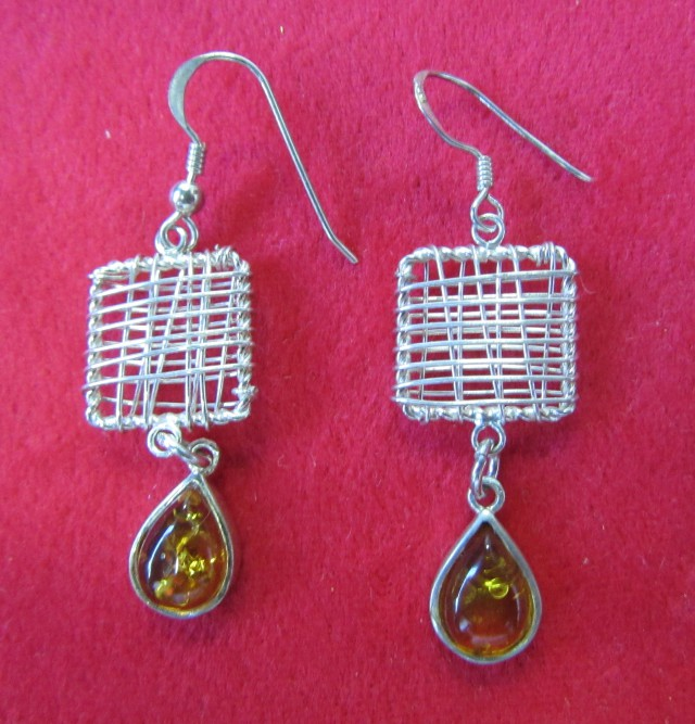 24Cts Amber Silver  Earring Sheppard Hook  AGR685