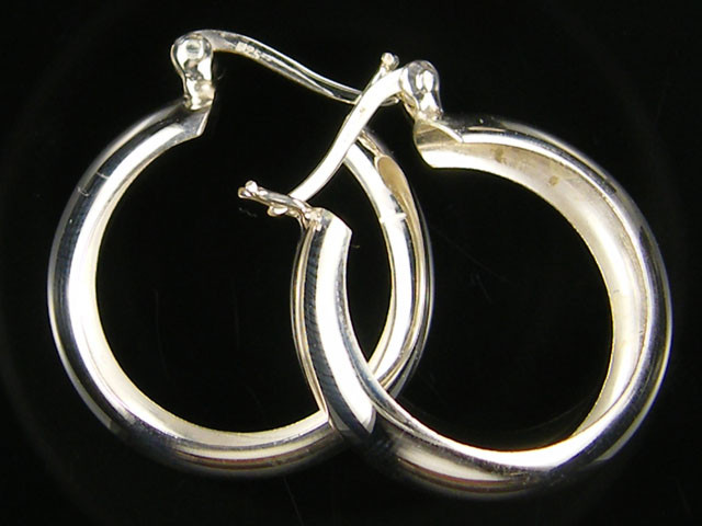 MODERN 22 MM  LOOP STERLING SILVER  EARRING    MYT 483
