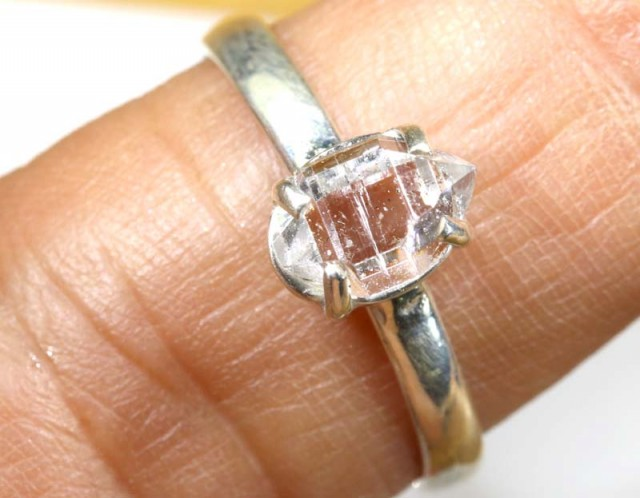 QUARTZ RING LIKE HERKIMER DIAMONDS 7 CTS  TBJ-795