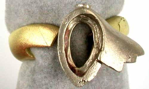 8.9 grams 18K GOLD 2 PC CAST RING 8.90 GRAMS GR3