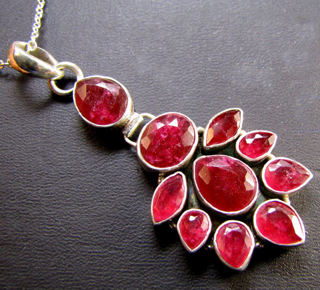 LARGE RUBY CLUSTER PENDANT SILVER  MYG 1323