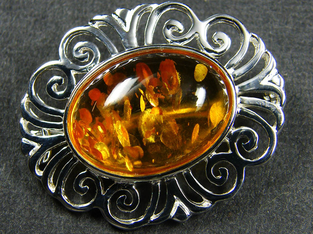 TRADITIONAL BALTIC AMBER BRORCH    MYG 328