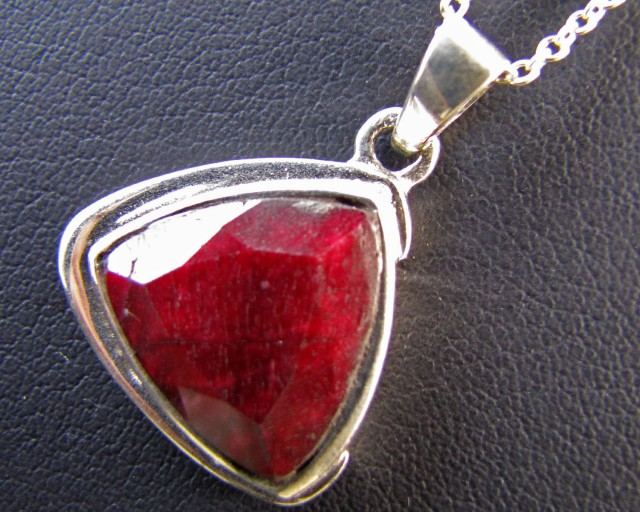 50 Cts Ruby set in Silver Pendant MJA 639