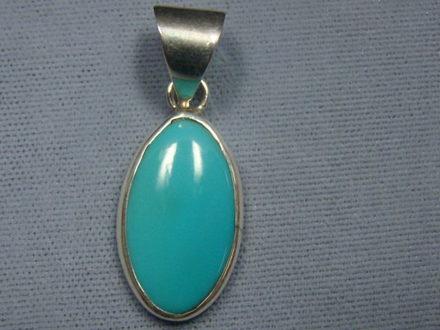 BEAUTIFUL TURQUOISE INLAY PENDANT JA-13