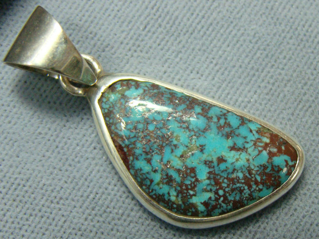BEAUTIFUL TURQUOISE  INLAY PENDANT JA-18