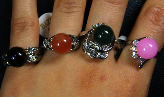 RESELLERS  DEAL EIGHT MIXED  GEMSTONE RINGS  AAT 738