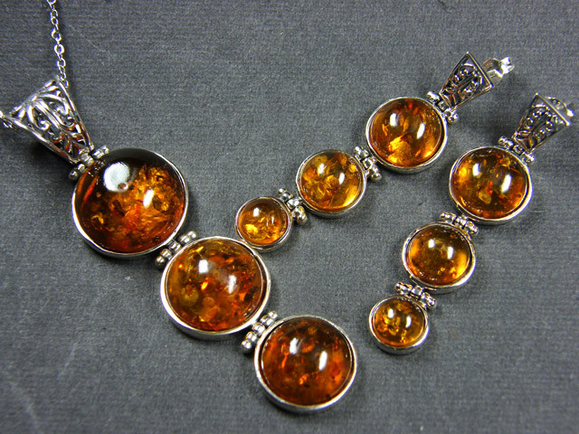 BALTIC AMBER SILVER PENDANT AND EARRING TCW  104  MYG380