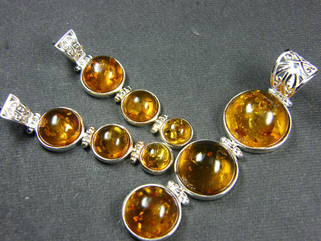 BALTIC AMBER SILVER PENDANT AND EARRING TCW  105 MYG383