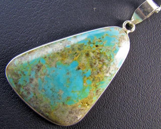 61 CtsTibetan Turquoise  Pendant MJA 670