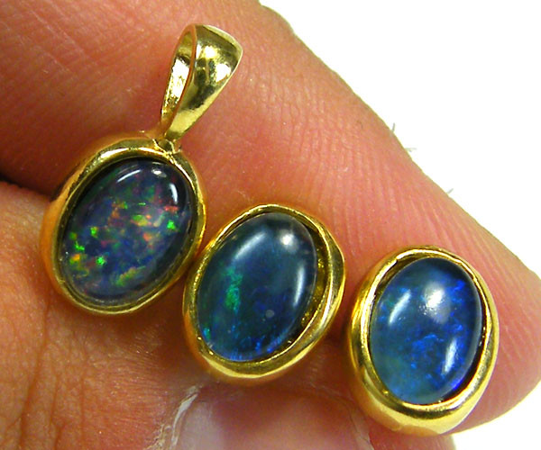 7x5 MM  TRIPLET SET  EARRINGS AND PENDANT  SCA1997