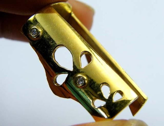 Estate jewellery 18 k gold stamped hallmark 750 TB23