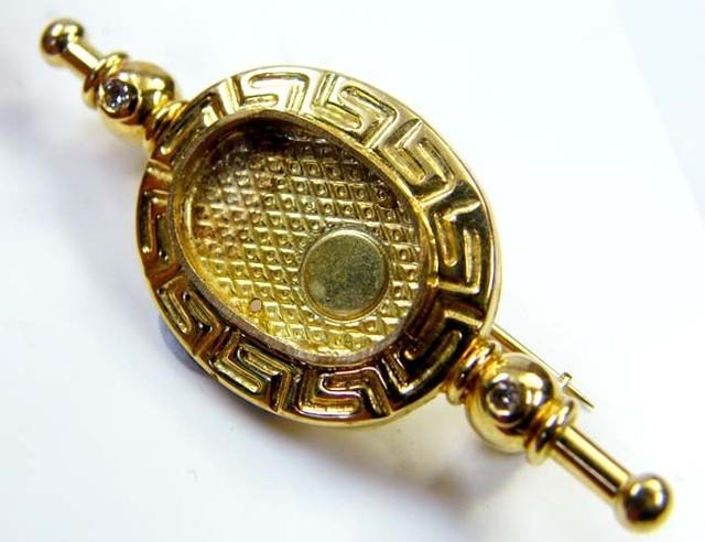 Estate Brooch 18 k gold stamped hallmark 750 TB25
