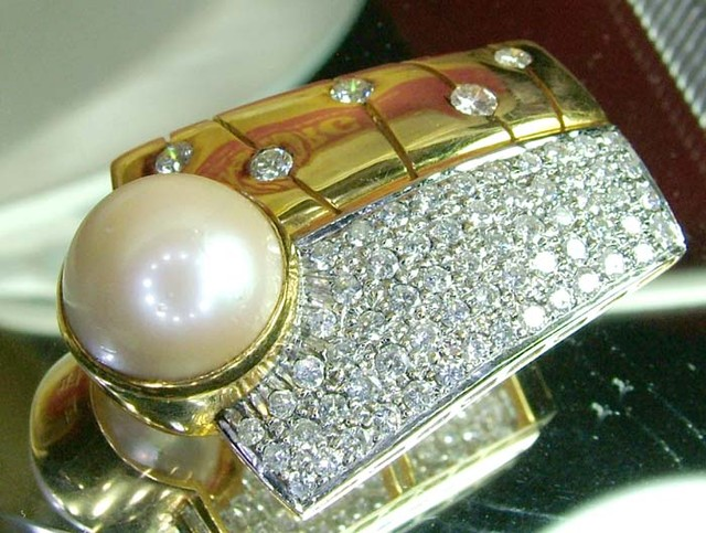 SOUTHSEA PEARL DIAMONDS  18K SOLID GOLD   50.40 CTS