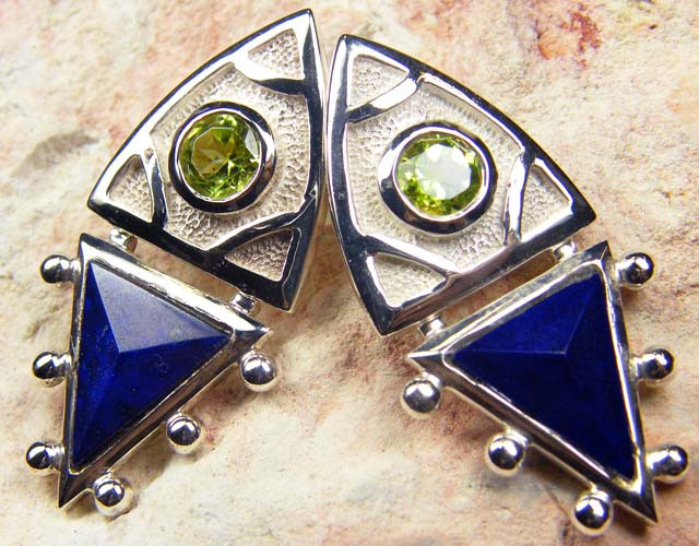 PERIDOT N LAPIS GEMSTONE STYLISH  SILVER EARRINGS    GRR 169