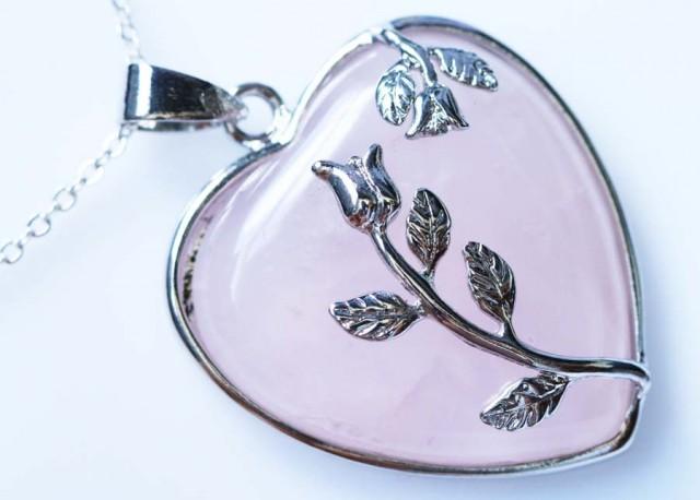 Heart shape Rose Quartz Pendant BU12230a