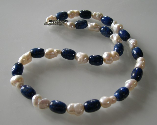 NATURAL BAROQUE PEARL AND LAPIS NECKLACE 54cms