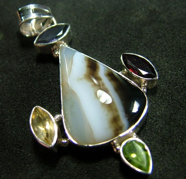STUNNING AGATE PENDANT 53.00 CTS [GT827 ]