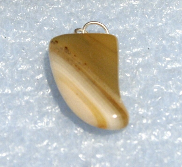 Fabulous Banded Agate Tooth Pendant 30 x 18 mm BAP-40