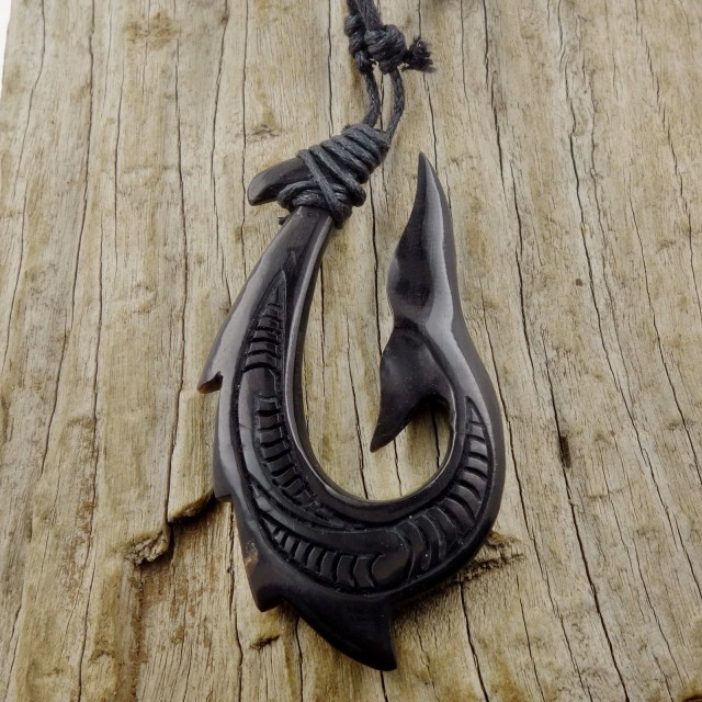 Maori Whale Tail Fish Hook Necklace, Horn Pendant Men's Surfer Hei Matau