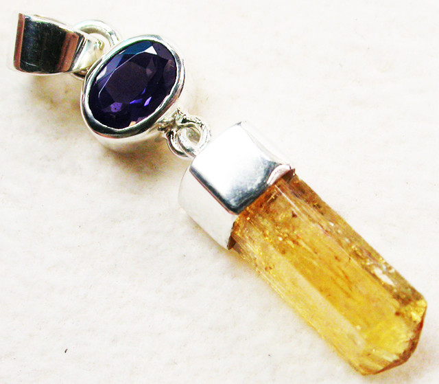 15.50 CTS NATURAL IMPERIAL TOPAZ  WITH IOLITE [SJ1738]